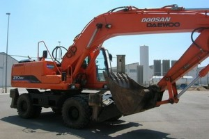 DOOSAN-210WV-may-xuc-lop