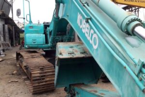 may-xuc-Kobelco210LC-6